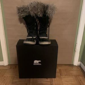 Sorel Joan of Arctic winter boots in Black Stone